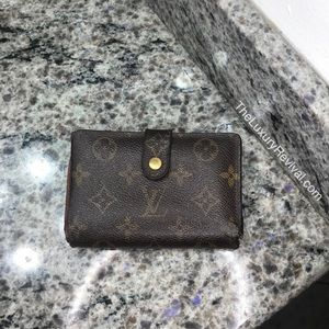 Authentic Louis Vuitton Kisslock Wallet